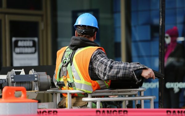 5 REASONS TO CONDUCT HEALTH AND SAFETY TRAINING